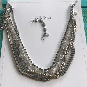 Stella & Dot Sutton mixed metal necklace